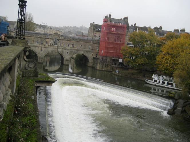 Pulteney Weir to power Christmas lights?