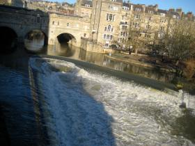 Sunshine on the River Avon at Pulteney Bridge.