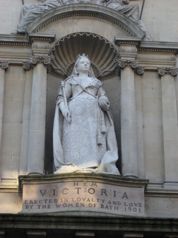 queen vic bath