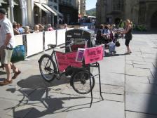 A free-standing enterprise in Abbey Churchyard.