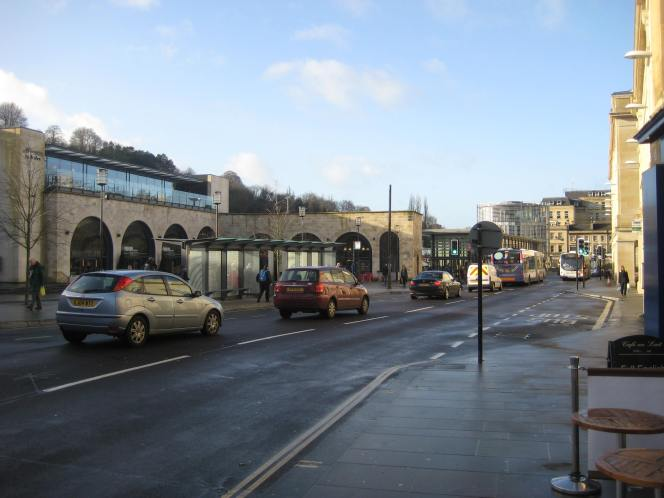 Experimental bus lane to benefit cyclists in Bath
