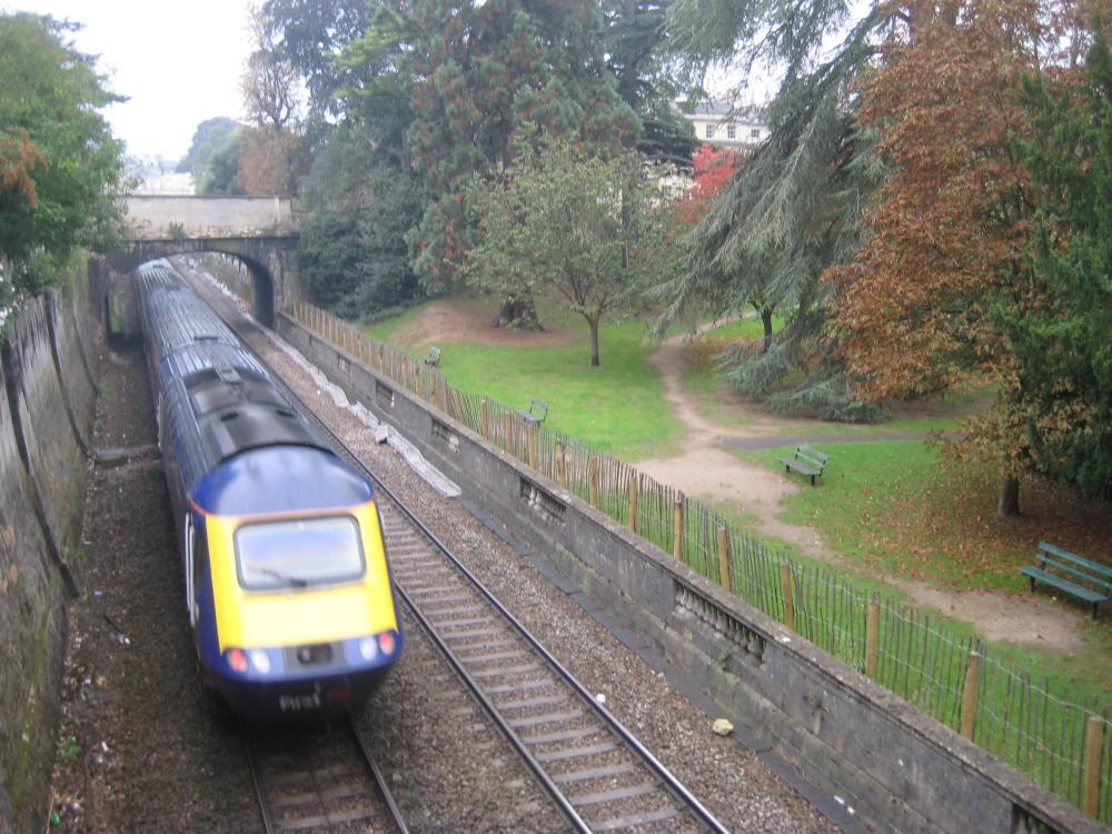 Network Rail announces plans for electrifying rail route through Bath (2/2)