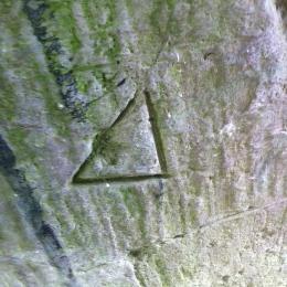 A triangular mason's mark