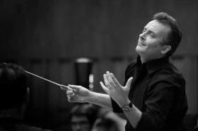 Conducter Robin O'Neill.