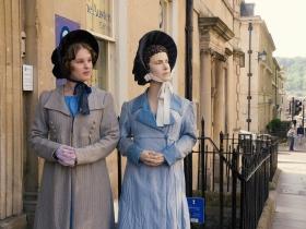 Lauren Thompson with the figure of Jane Austen.