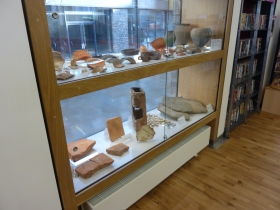 The Roman window display of pottery and building materials from Keynsham sites