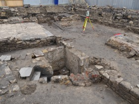 To the right is the rubble-filled basement of what was No 9 Bridewell Lane. In the centre is the loo! Click on images to enlarge.