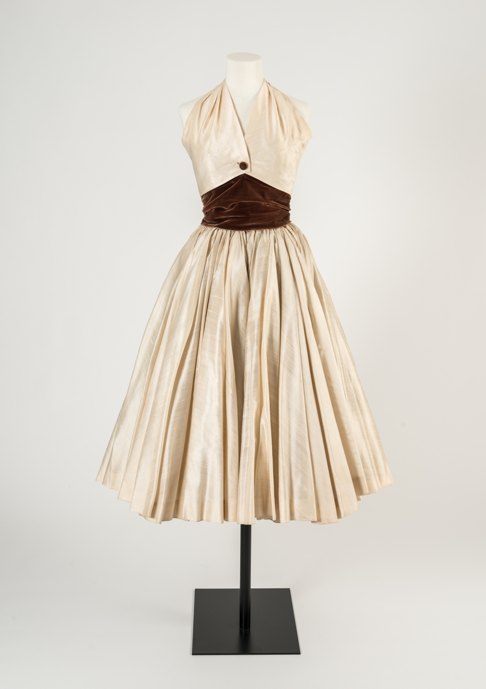 ID77 Cream silk dress by Christian Dior, 1950s 2