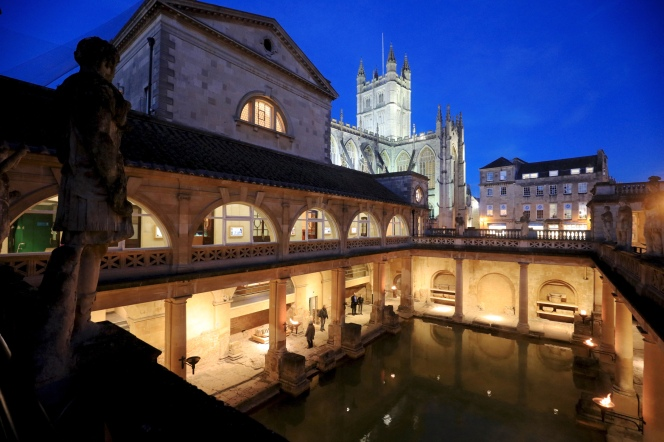Torch-lit Baths attract recordcrowds
