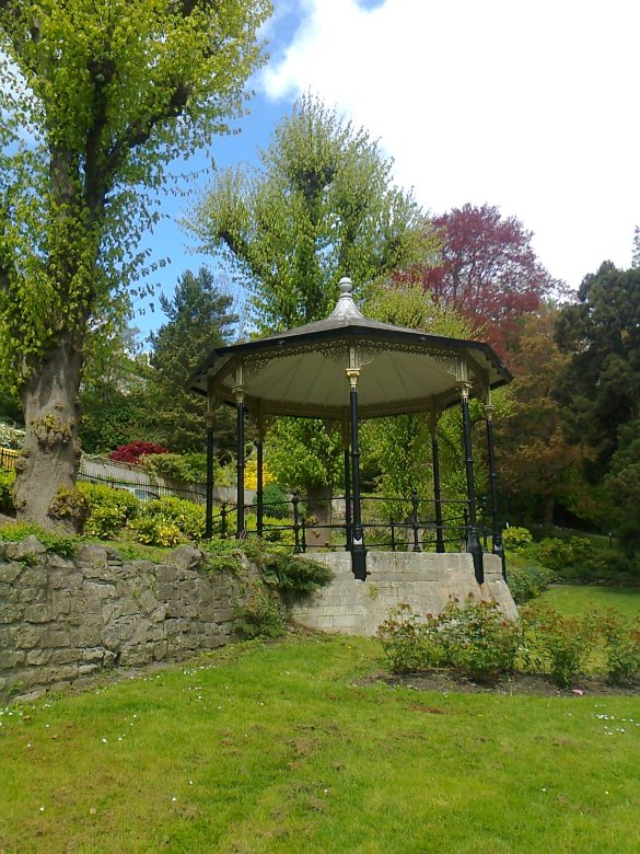 Hedgemead Bandstand 1