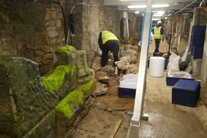 Roman removal men!