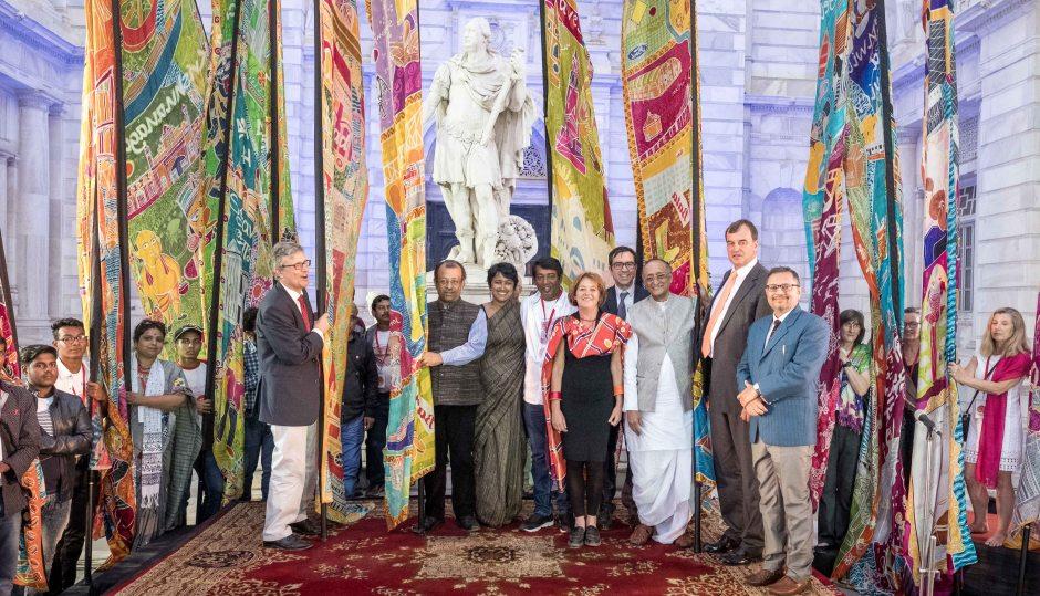 Silk River - Image 2 for press - Closing ceremony Victoria Memorial Hall 2
