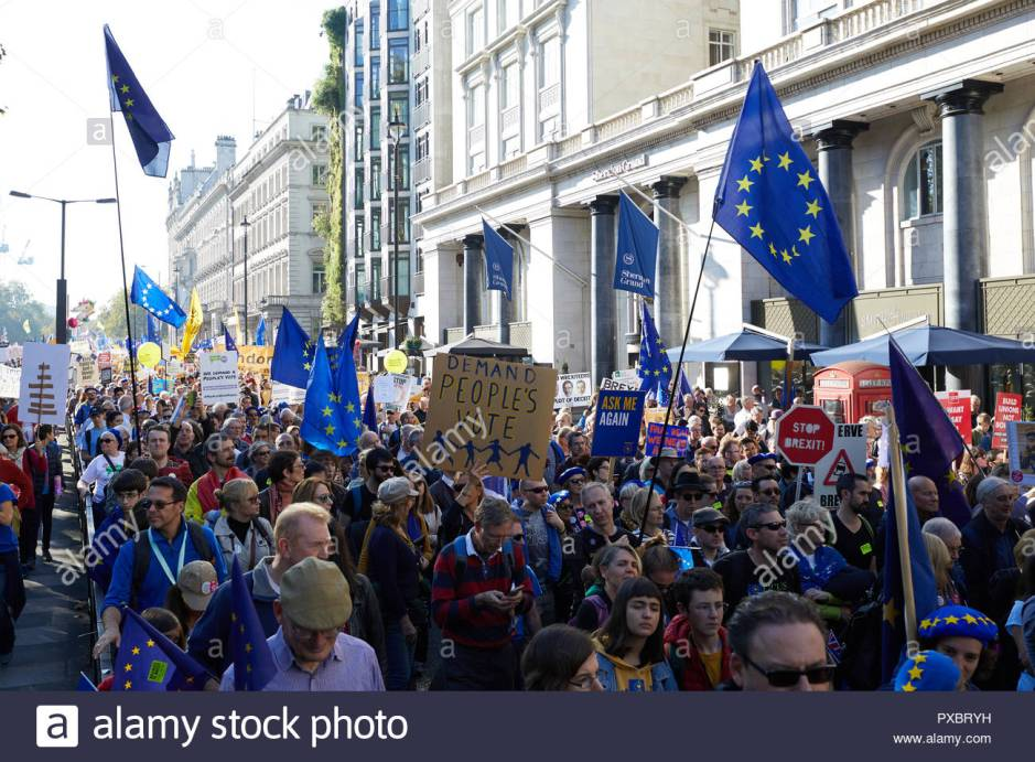 london-uk-20th-oct-2018-protestors-on-the-peoples-vote-march-through-the-centre-of-london-credit-kevin-j-frostalamy-live-news-PXBRYH