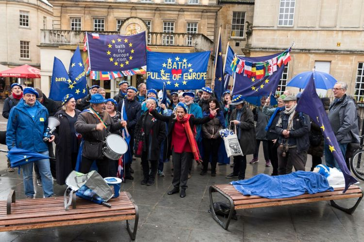 Wera Hobhouse with members of Bath for Europe Nov 18