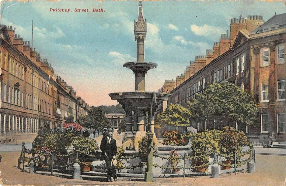 Laura Place in early 1900s before avenue trees felled